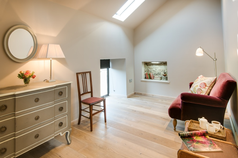 18. Private sitting room next to upstairs bedroom in Cowshed